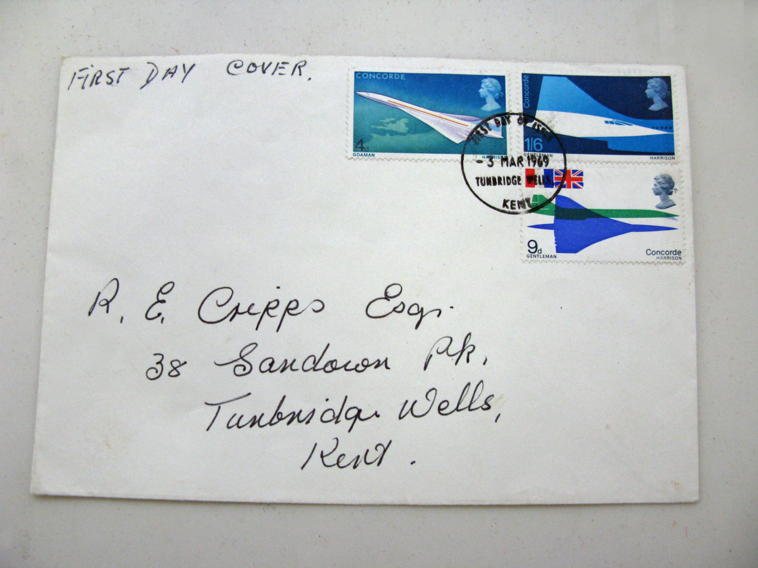 Envelope wth three first day cover Concorde Stamps