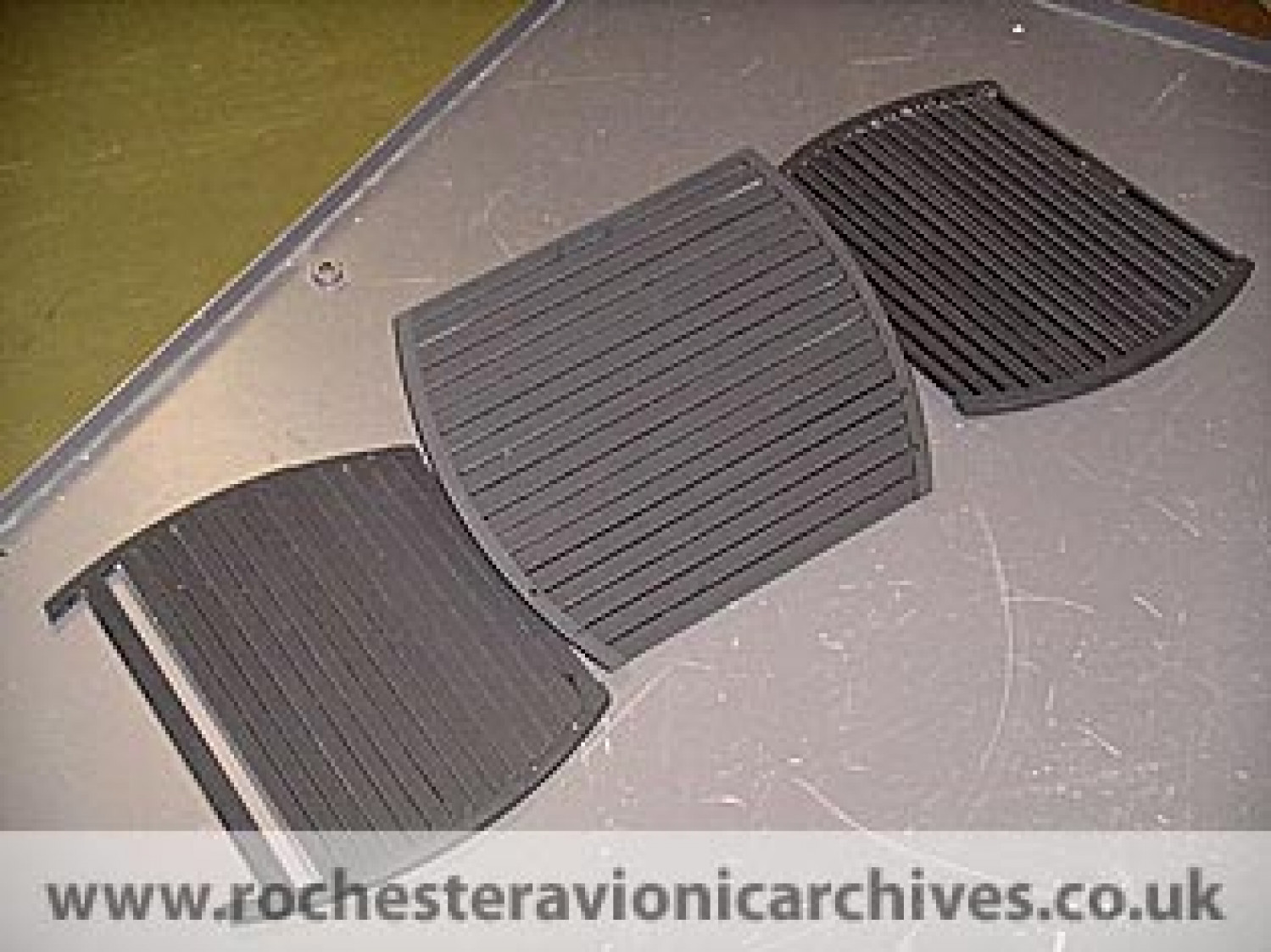 F-16 LANTIRN Diffractive HUD Glareshields