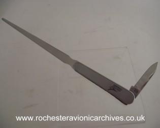 P110 Paper & Pen Knife